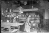 Morris family working in Kalama Hotel kitchen, circa 1900-1909