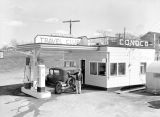 Conoco Travel Club gas station, Ritzville, Washington, March 20, 1941